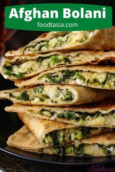Afghan Food Recipes, Indian Food Recipes, Vegetarian Recipes, Cooking Recipes, Afghan Bread Recipe, Afghanistan Food, Good Food, Yummy Food, Homemade Flatbreads