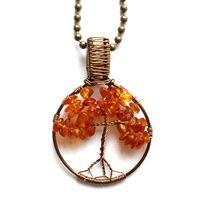 Small tree of life pendant with amber. Litet Livets Träd halsband med bärnsten från http://ladyofthelake.se