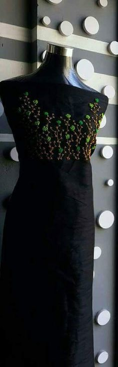New kurti New Kurti Designs, Churidhar Designs, Chudi Neck Designs, Salwar Designs, Saree Blouse Designs, Abstract Embroidery, Hand Work Embroidery, Hand Embroidery Designs, Embroidery Dress