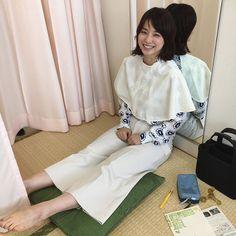 石田ゆり子さんはInstagramを利用しています:「「かみがた」のうた (歌唱 はにオン) かみがたはぁ じんせいをぅ さゆう する〜 する〜する ばさばさ〜〜なときも ねおきでも〜 すてきにみえたらぁ しあわせよ しろねこに、ちゅーるを〜 らいおんに、すてきなおやつを おねがいよ〜 #ハニオ日記」
