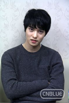 Lee Jong-hyun --- CNBLUE music comeback in backstage