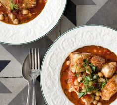 Mediterranean Fish and Chickpea Stew with Garlic Croutons - Fish Stew Goodness - Fish Recipes Whole30 Fish Recipes, Easy Fish Recipes, Seafood Recipes, Cooking Recipes, Yummy Recipes, Recipies, Yummy Food, Healthy Recipes, Mediterranean Fish Stew