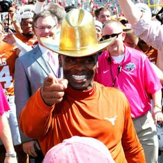 Crowd-surfing and a shiny hat: Photos from a Strong celebration for Texas http://espn.go.com/blog/big12/post/_/id/104803/crowd-surfing-and-a-shiny-hat-photos-from-a-strong-celebration-for-texas