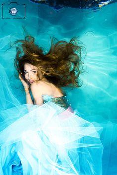 Bild: Model bei einem Unterwasser Modelshooting