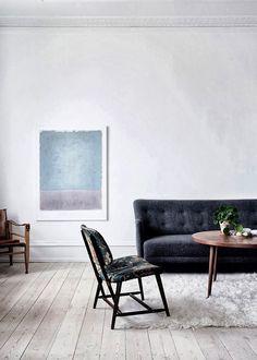 #contemporary #black_sofa #white_room  #living_room