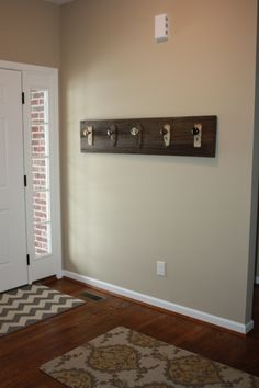 Lovely Barn Wood And Old Door Knobs U003d Coat Rack!