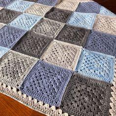 Granny Square Pattern Free, Granny Square Crochet Pattern, Crochet Squares, Crochet Blanket Patterns, Free Pattern, Crochet Granny Square Beginner, Amigurumi Patterns, Sunburst Granny Square, Granny Square Projects