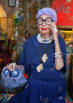 ... photographs were taken in Iris Apfel's apartment by Ari Seth Cohen