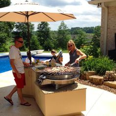An Evo Professional Tabletop circular grill in its natural element!