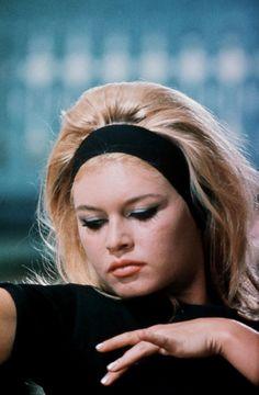Épinglé par Jeffrey sur Brigitte Bardot Cheveux bardot
