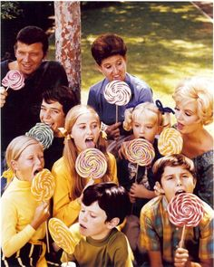 The Brady Bunch, my favorite show! It's funny how I just started watching it :)