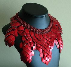 Red Scale Neclace with chainmaille. Very impressive.