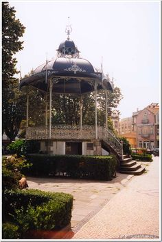 Coreto da Praça do Almada - Póvoa do Varzim Portugal, Fun Art, Cool Art, Garden Structures, Kiosk, Urban Landscape, Small Towns, Portuguese, Gazebo