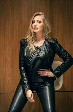 women in leather Tight Leather Pants, Leather Trousers, Leather Jacket, Fast Fashion, Fashion Outfits, Hot Goth Girls, Leder Outfits, Leather Dresses, Models