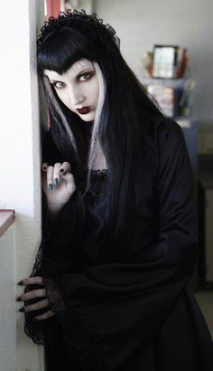 Wednesday Mourning (wig looks a bit frayed but lovely pic) Victorian Goth, Gothic Steampunk, Gothic Lolita, Gothic Hair, Goth Beauty, Dark Beauty, Dark Fashion, Gothic Fashion, Gothic People