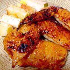 熊本県産の白ネギの大きくて新鮮なのがなんと38円でGET❗️ れいちゃんの串に刺さない焼き鳥がこの間から気になっていたので作ろうと思ってました。今日は1人だったので手羽先で作りました。 リピ決定〜✨ れいちゃん、美味しいレシピありがとう。今度は旦那がいる時にも作ろうと思ったよ  れいちゃん、食べともよろしくね - 132件のもぐもぐ - reiちゃんの串に刺さない焼き鳥・タレですがを手羽先で by mayumi0525