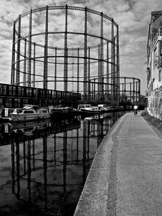 The Gasometers Of Bethnal Green London Bus, Old London, London Street, Bethnal Green, Museum Of Childhood, Columbia Road, Creative Landscape, V & A Museum, Brick Lane