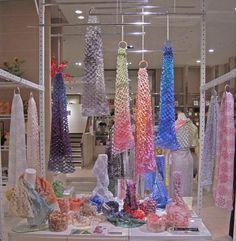 「スカーフ 展示」の画像検索結果