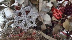 estrella de navidad a ganchillo, adorno de navidad Christmas Wreaths, Holiday Decor, Home Decor, Christmas Stars, Christmas Ornaments, Manualidades, Decoration Home, Room Decor, Home Interior Design