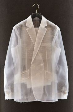 'Naked Suit' by artist Spencer Tunick and Savile Row tailor Richard James for UK Esquire's Suit Issue (September it's made of organza. Spencer Tunick, Estilo Grunge, Fashion Details, Fashion Design, Savile Row, Bespoke Tailoring, Tailored Jacket, Tailored Suits, Jackett