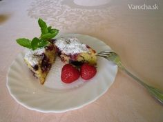 Letný osviežujúci ovocný koláč (fotorecept) - Recept Lidl, French Toast, Pudding, Breakfast, Desserts, Food, Morning Coffee, Tailgate Desserts, Deserts