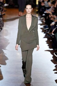 STELLA MCCARTNEY AW2015 FACES Runway http://www.faces.ch/runway