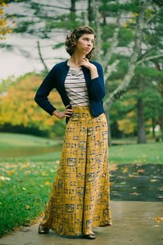 Interesting. The look of a skirt with the comfort and versatility of pants. Like the idea. - What I Made // Palazzo Pants