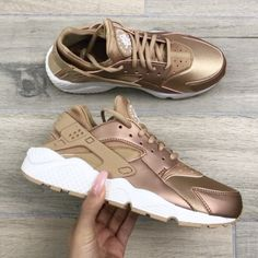check out d54b5 d3580 huaraches · 42.9k Likes, 1,407 Comments - Carli Bybel ( thefashionbybel) on  Instagram
