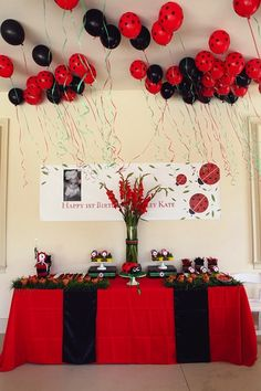 10-awesome-birthday-parties: love the lady bugs