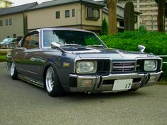 Not gonna lie, when I posted that Shared photo of the Shakotan I totally thought it was a Nissan Bluebird or something. Somewhere along the way to find out wtf that thing was I found these two… Classic Japanese Cars, Japanese Sports Cars, Best Classic Cars, Auto Retro, Retro Cars, Vintage Cars, 2015 Nissan Gtr, Datsun Car, Japan Cars