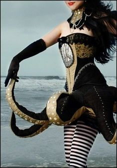 steampunk octopus costume (great ideas for a future Ursula costume) Costume Steampunk, Mode Steampunk, Steampunk Fashion, Steampunk Theme, Gothic Steampunk, Steampunk Clothing, Victorian Gothic, Hallowen Costume, Cool Costumes