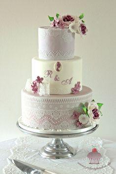 Wedding Cake with Pavoni Magic Lace - Hochzeitstorte mit Magic Decor Spitze