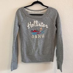 Hollister Sweater! Scoop neck gray long sleeved sweater. Really warm and very comfortable! Very lightly used and in great condition. Hollister Sweaters Crew & Scoop Necks