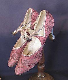 VINTAGE ANTIQUE 1920S PINK SATIN FLAPPER DRESS SHOES DANIELS & FISHER DENVER