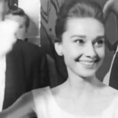 Aubrey Hepburn, Audrey Hepburn Inspired, Audrey Hepburn Photos, Audrey Hepburn Style, Audrey Hepburn Wallpaper, Hollywood Video, Old Hollywood Actresses, Old Hollywood Stars, Classic Hollywood