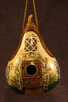 Flower cottage gourd birdhouse