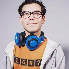 Gamer Shirt, Streamers, Over Ear Headphones, Round Sunglasses, Meme, Shirts, Instagram, Round Frame Sunglasses, Paper Streamers
