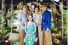 Now we're talking some glamour Javanese wedding. we're so excited get to share the photos of Chacha and Dico's wedding. This fabolous c. Beskap Jawa, Fairmont Jakarta, Kebaya Lace, Javanese Wedding, Bridesmaid Dresses, Wedding Dresses, Wedding Ceremony, Lace Dress, Dream Wedding