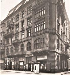 Před 160 lety se narodil Viktor Ponrepo. Muž, který zřídil v Praze první stálé kino. Víte, kde bylo?   Náš REGION Multi Story Building