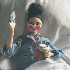 Look guys they made a Barbie of me! Humor Barbie, Barbie Funny, Bad Barbie, Barbie Life, Barbie World, Barbie And Ken, Barbie Fashionista, Bratz Doll, Ooak Dolls