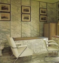 Edward VIII and Wallis Simpson (Duke and Duchess of Windsor)'s Villa on the Bois de Boulogne, His bathroom