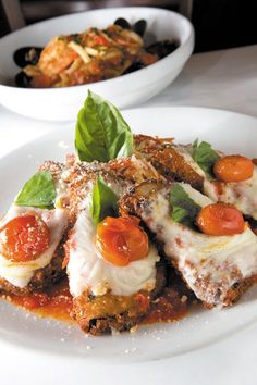 Eggplant Parmesan at Romano's Macaroni Grill. Photo: Leah Friel. More: http://hsalinks.com/17nCSMt