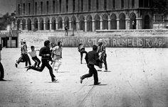 1968, Istanbul Student demonstrations Öğrencilerin hükümet karşıtı gösterileri kaynak: http://www.rencontres-arles.com/   #istanbul #istanlook