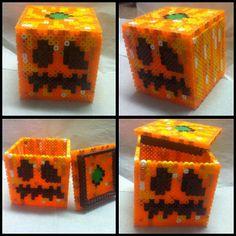 Minecraft carved pumpkin perler beads by bitsandpixels, OMG MUST MAKE <3