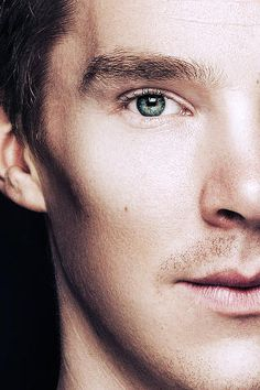 Cheekbones, man! Oh, Benedict Cumberbatch, you, I must say, are gorgeous.