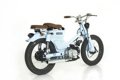 "Lsr Bikes: Honda ""The Little Blue"" by Deus Ex Machina Honda Cub, Honda Motorcycles, Custom Motorcycles, Custom Bikes, Honda Scooters, Estilo Cafe Racer, Honda Metropolitan, Motorcycle Icon, Ex Machina"