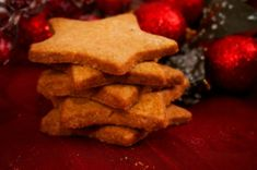 This savoury Christmas shortbread recipe is the perfect snack. Nothing says 'Christmas' more than a jar of homemade biscuits, festooned with a red ribbon.