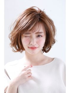 Asian Haircut Short, Korean Short Hair, Permed Hairstyles, Short Hairstyles For Women, Girl Short Hair, Short Hair Cuts, Hair Arrange, Ash Blonde Hair, Hair Inspo