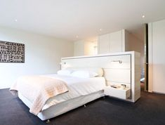 Stand alone headboard/storage separate entrance - The Avenue House