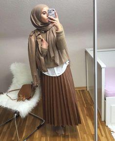 Pinterest: @adarkurdish Modest Fashion Hijab, Street Hijab Fashion, Hijab Dress, Hijab Outfit, Skirt Outfits, Fall Outfits, Minimal Fashion, Minimal Style, Modele Hijab